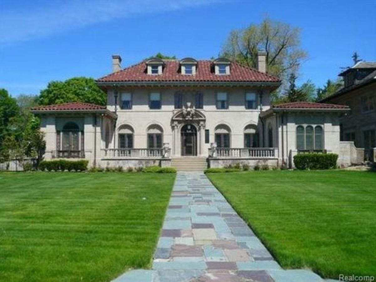 "Berry Gordy's ""Motown Mansion"""
