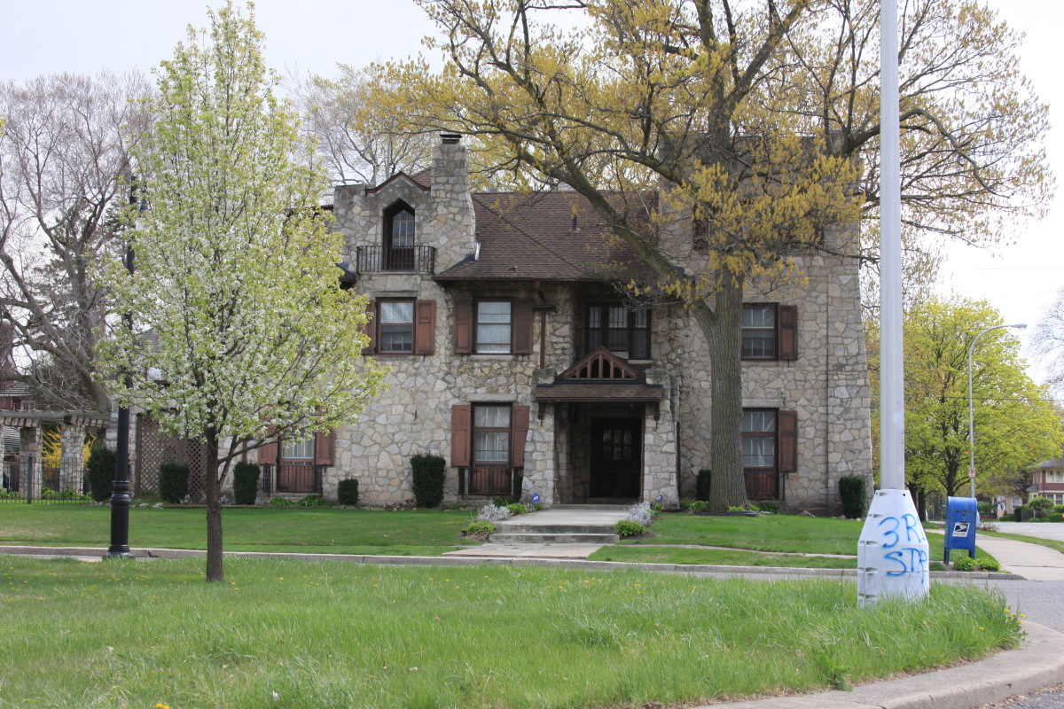 detroit-mansions-in-the-historic-boston-edison-district