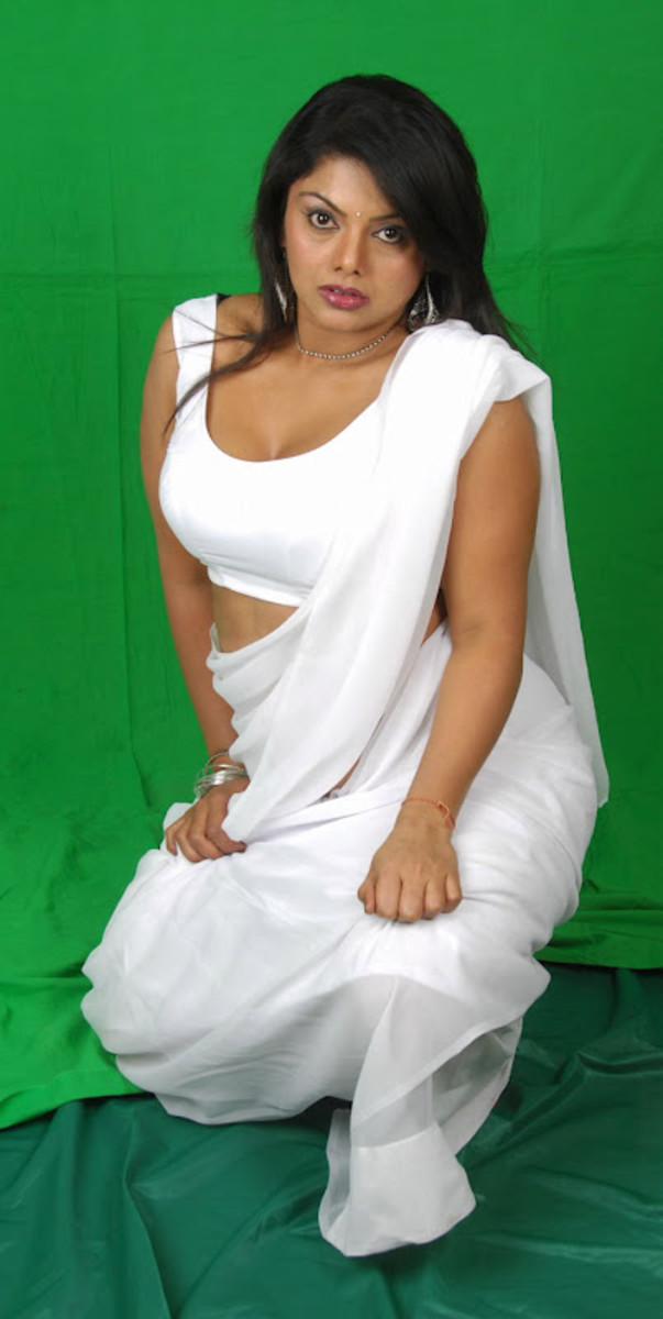 Hot in saree kelly white