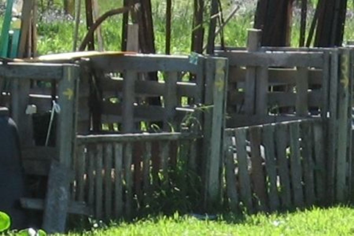 upcycling pallets to make compost bins