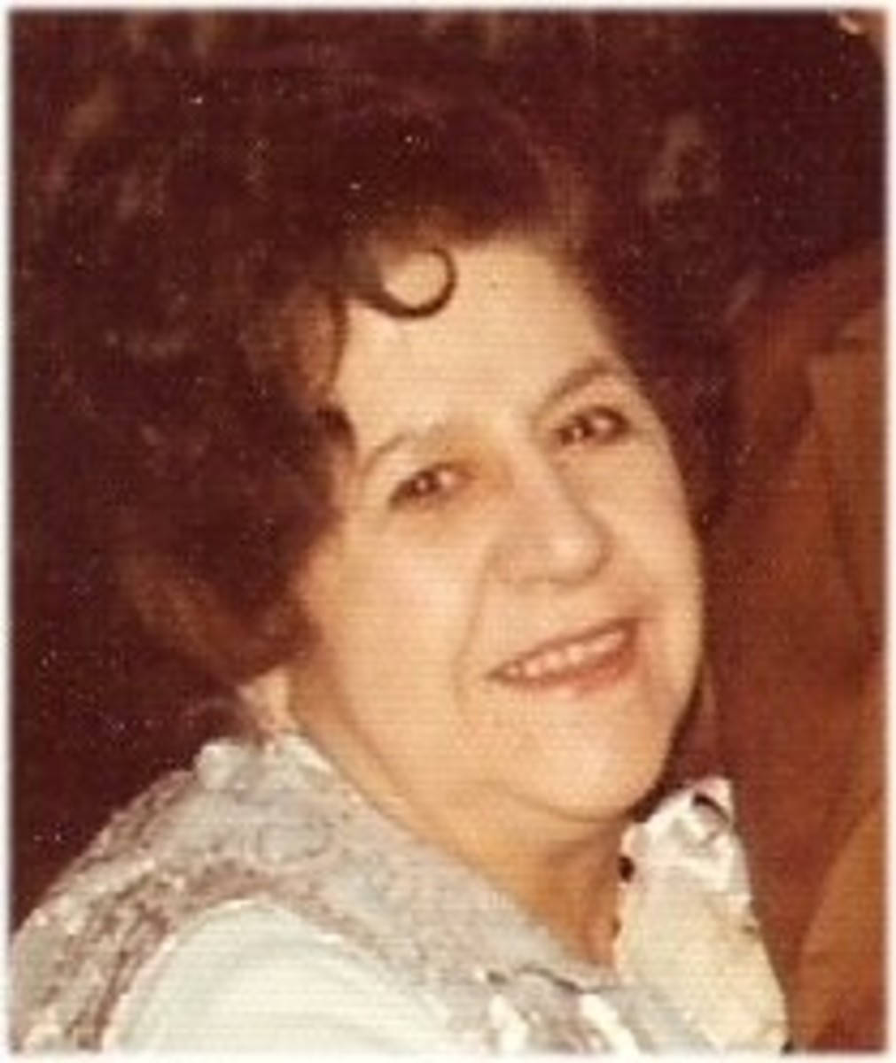 My mother:  Maria Giuseppina Bevilacqua (nee Regine) - 1908-1986 - What a cook!