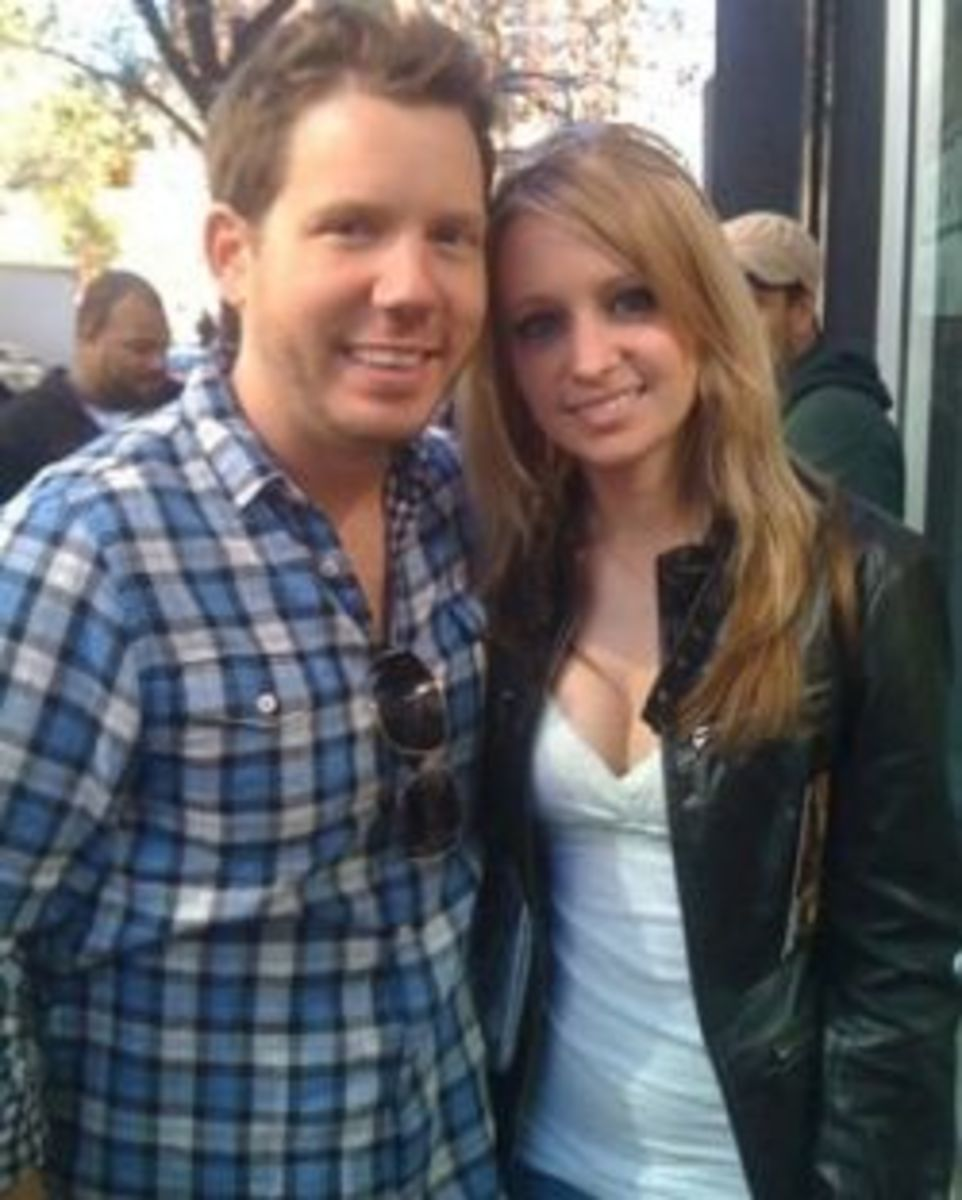 Look at the cute couple - CliffyB is one lucky man!