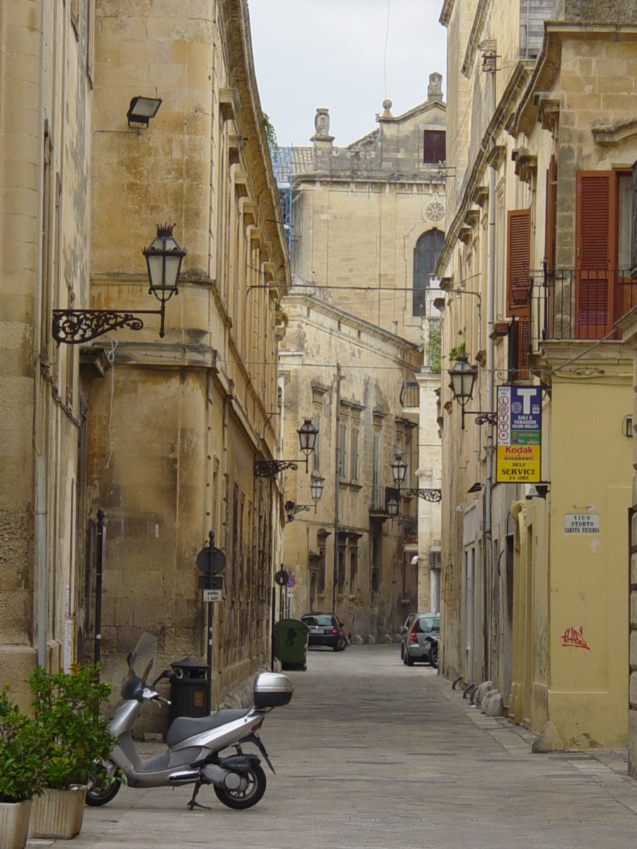a typical small street in Lecce