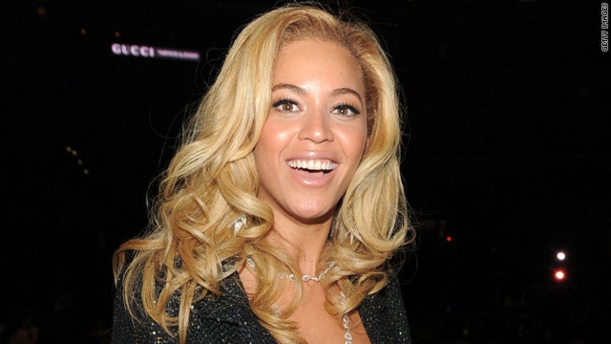 Pale Blonde Hair on Beyonce