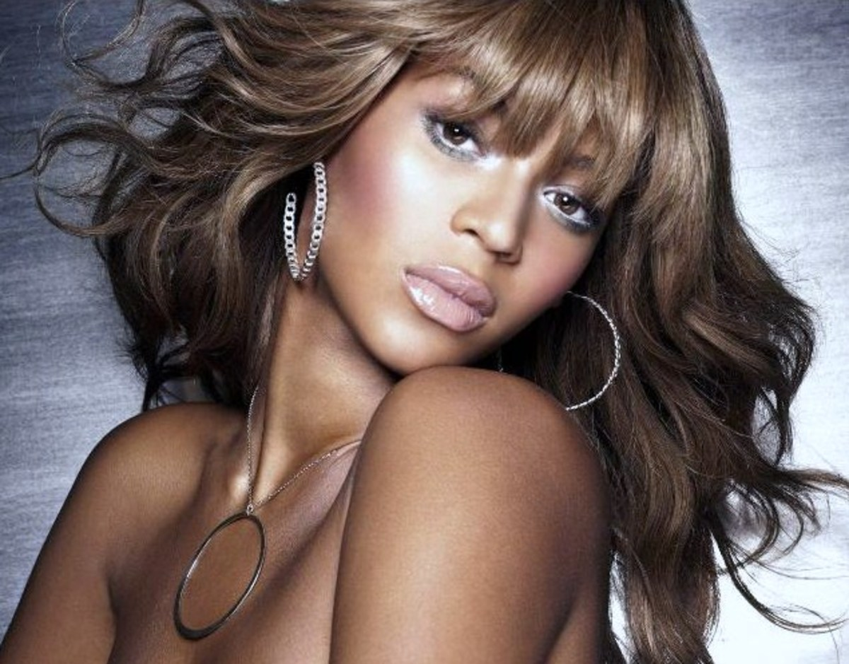 Beyonce with Dishwater Blonde Hair
