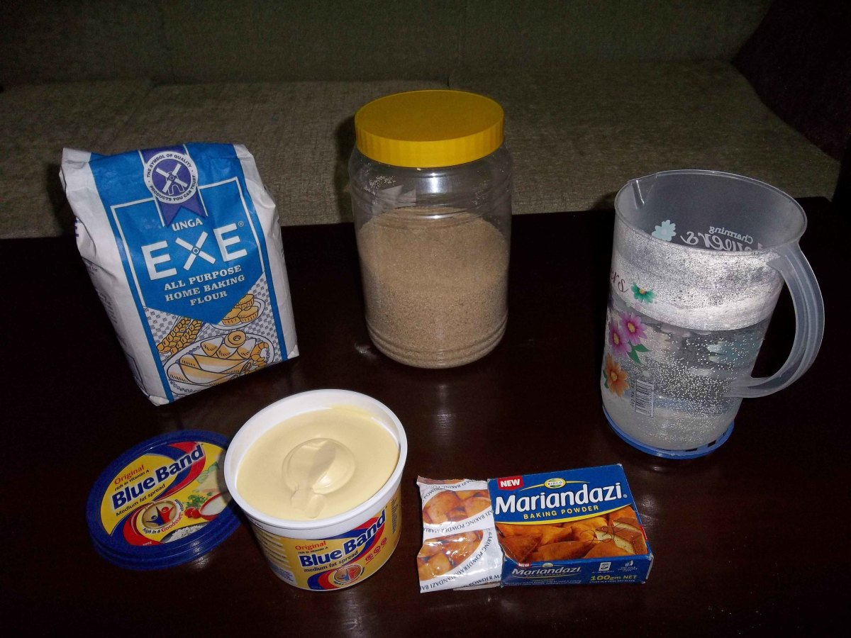 Clockwise from top left: Flour, Sugar, Water, Baking powder and Margarine