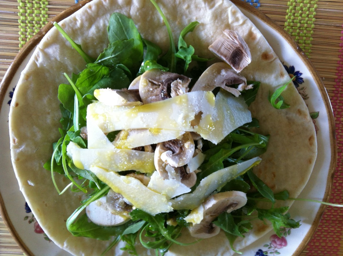 Piadena with Arugula Salad