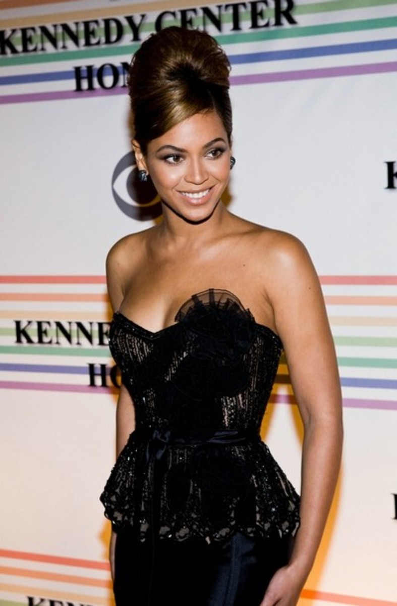 Beyonce - Top 10 Celebrity Fashion Dos and Don'ts