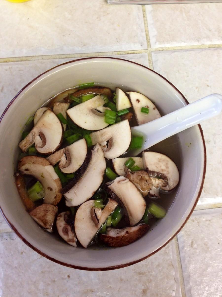 How to Cook Benihana Japanese Onion Soup with a Crockpot