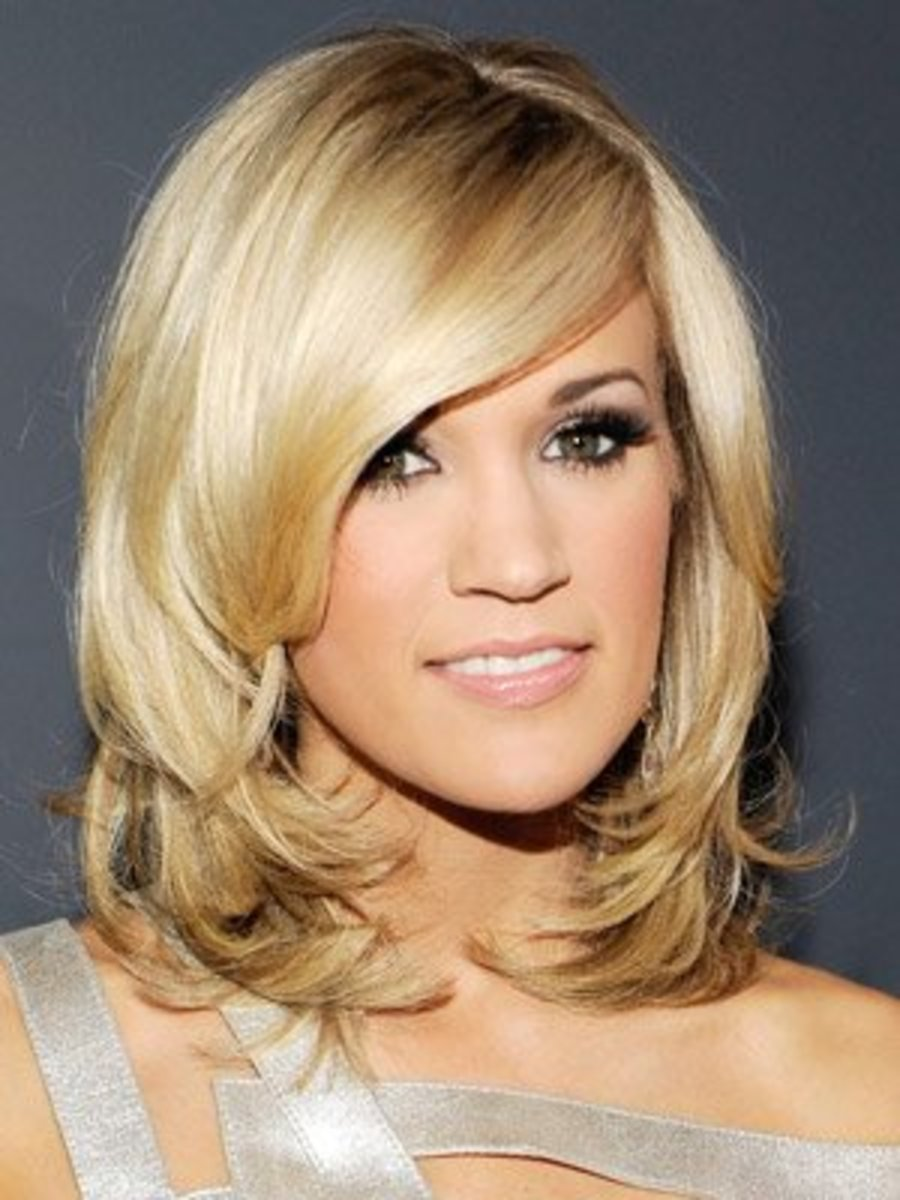 Carrie Underwood in a Long Bob with Curly Ends