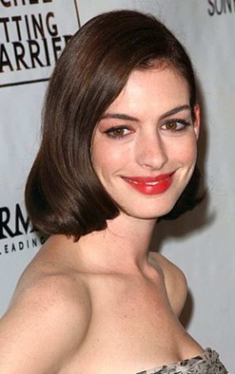 Anne Hathaway in a Sleek Bob