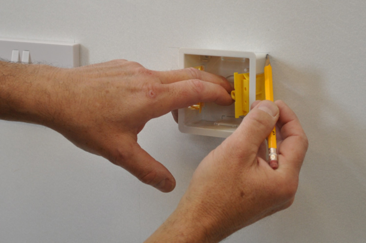 how-to-plaster-board-a-wall-using-the-dot-dab-system