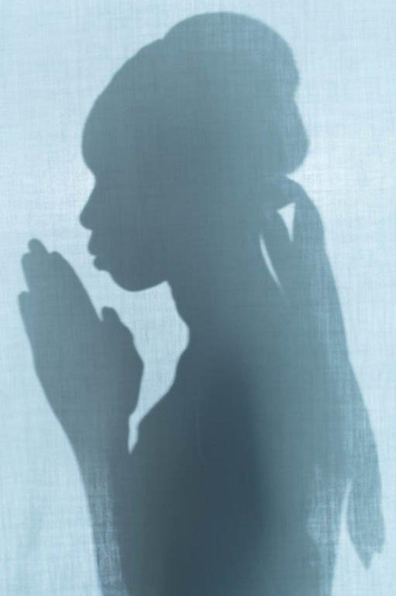 Prayer Image - Picture of Praying Woman