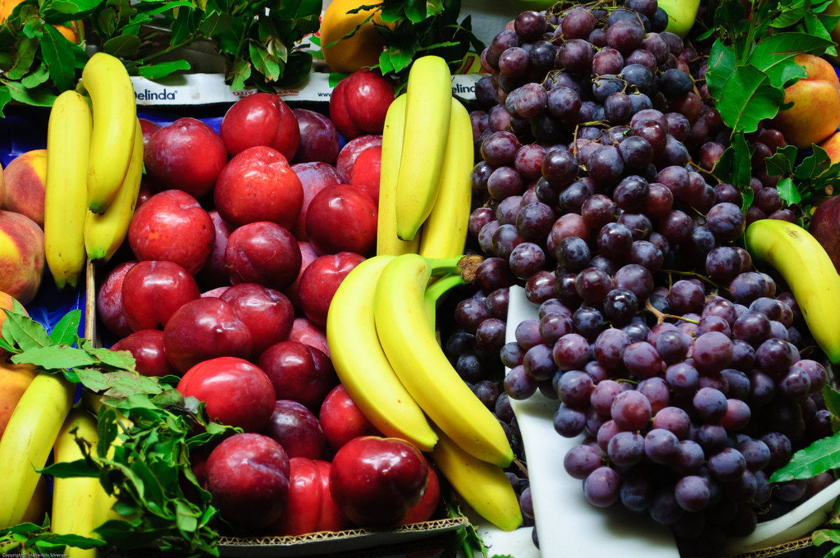 Fruits, veggies, and nuts are natural sources of fiber.
