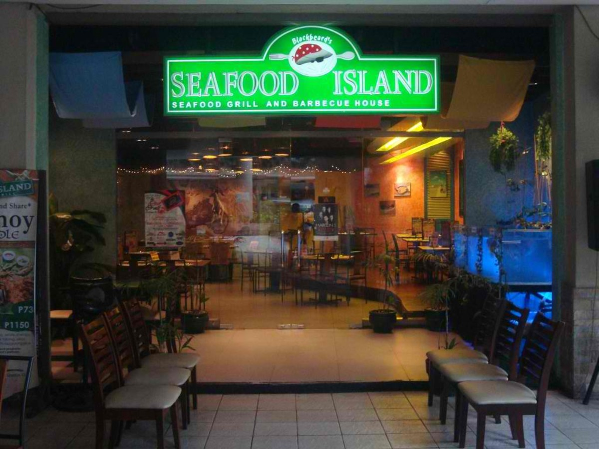 I would  like to acknowledge the owner of this picture http://www.foodblogph.com/announcements/grand-launching-of-blackbeards-seafood-island/