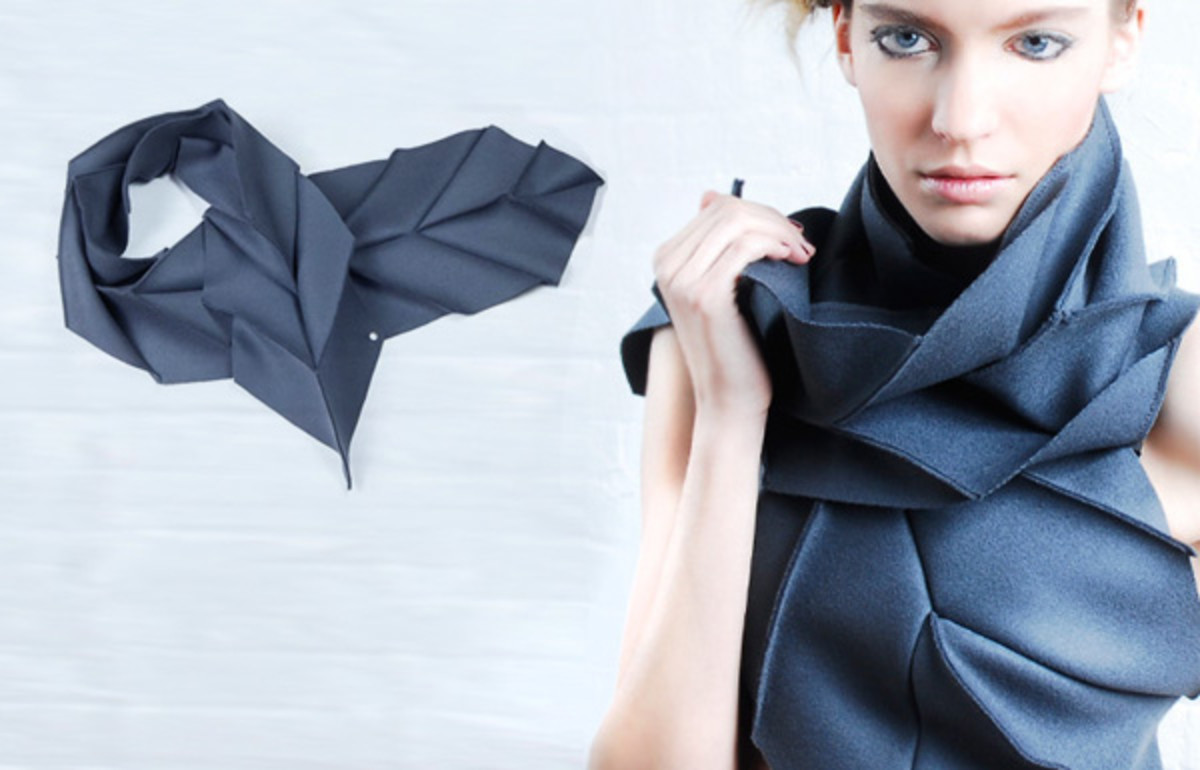 The unusual shape of this scarf allows it to fold up neatly for easy storage.