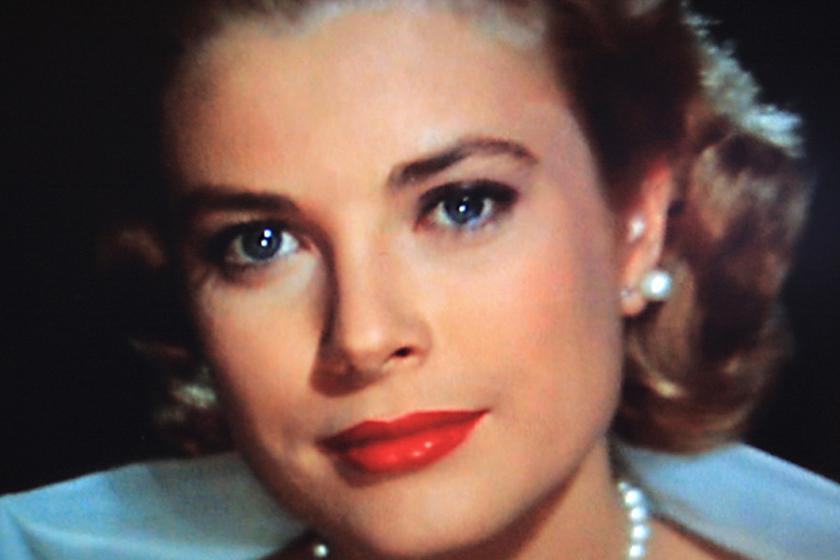 Grace Kelly as Lisa Fremont