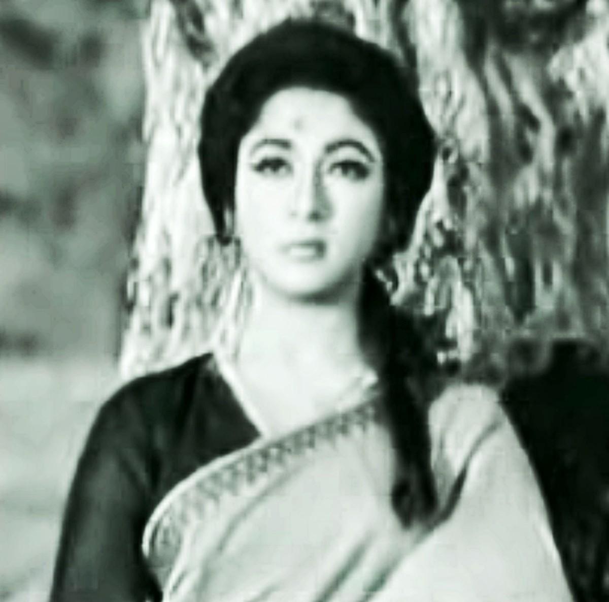 Another popular Bollywood number based on Raag Yaman Kalyan