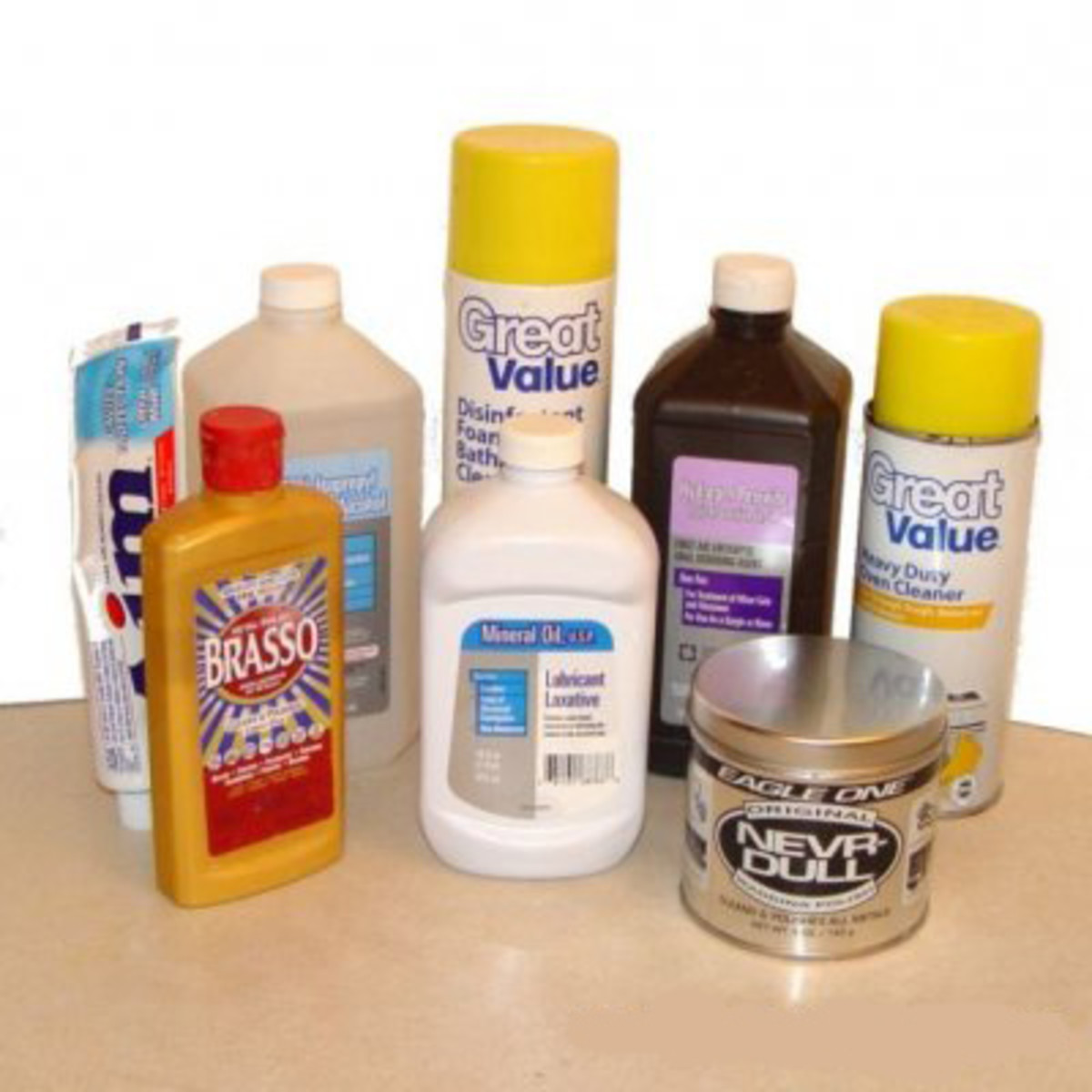 Cleaning materials for safety razors
