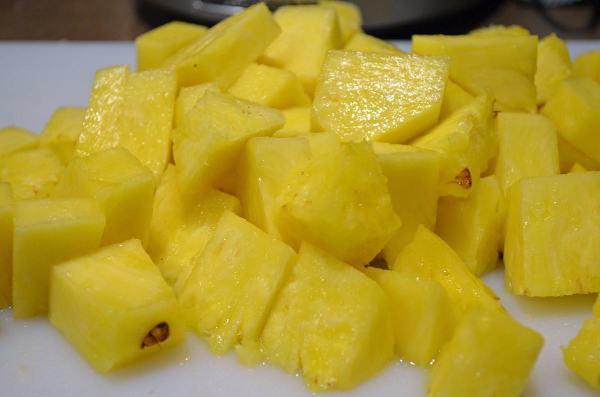 Fresh chunked pineapple