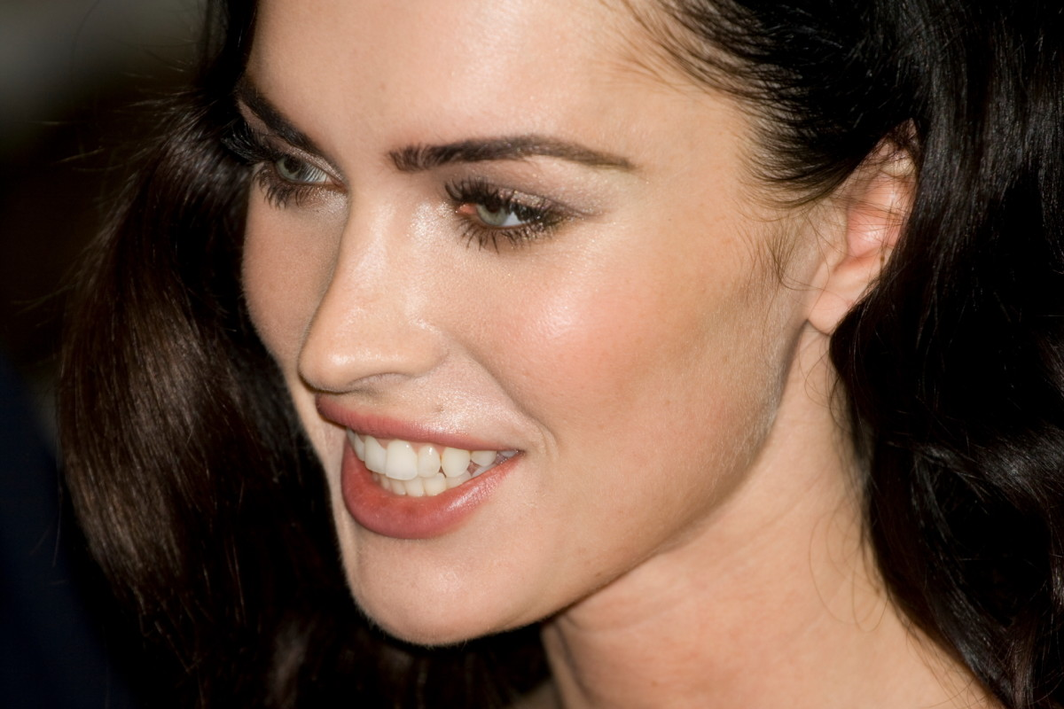 Megan Fox's Makeup and How to Look Like Megan Fox
