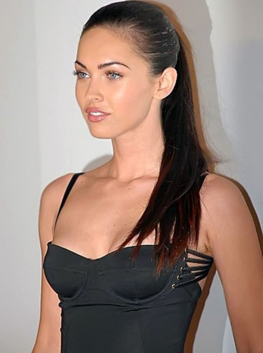 Megan Fox's measurements, dress size, height, and weight.