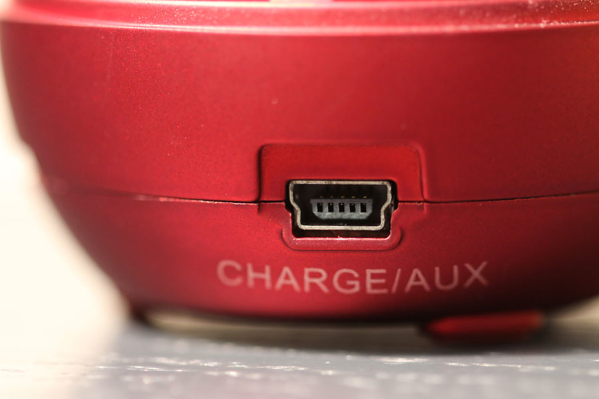 Charge/Auxiliary USB slot