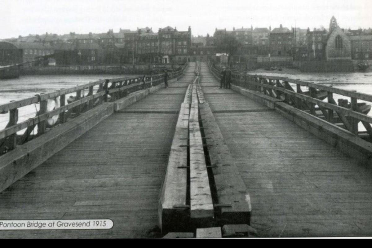 Another view of the pontoon bridge