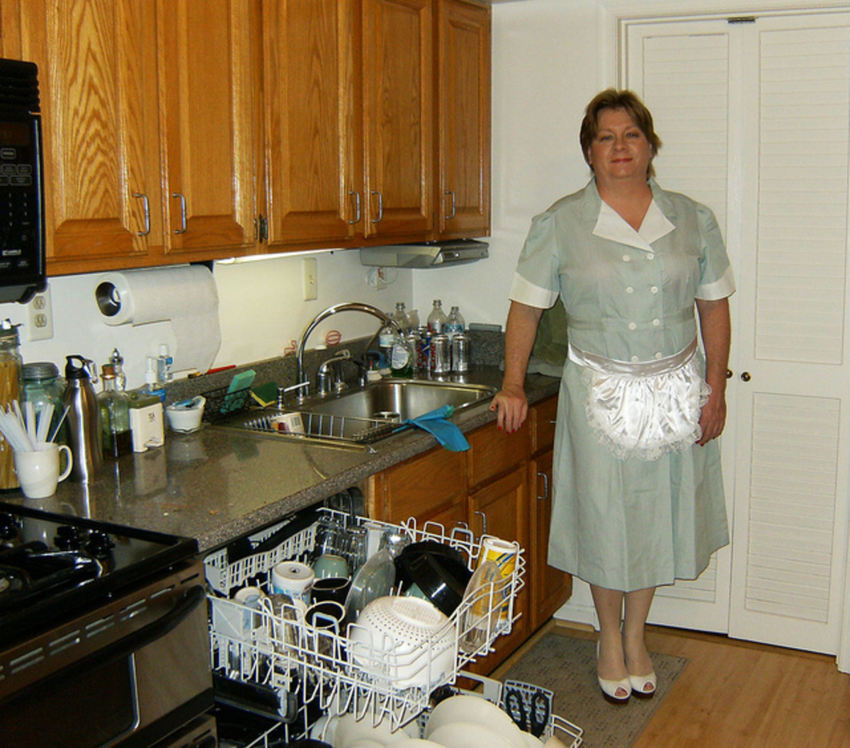 Hiring a Maid: Maid Service or Independent?