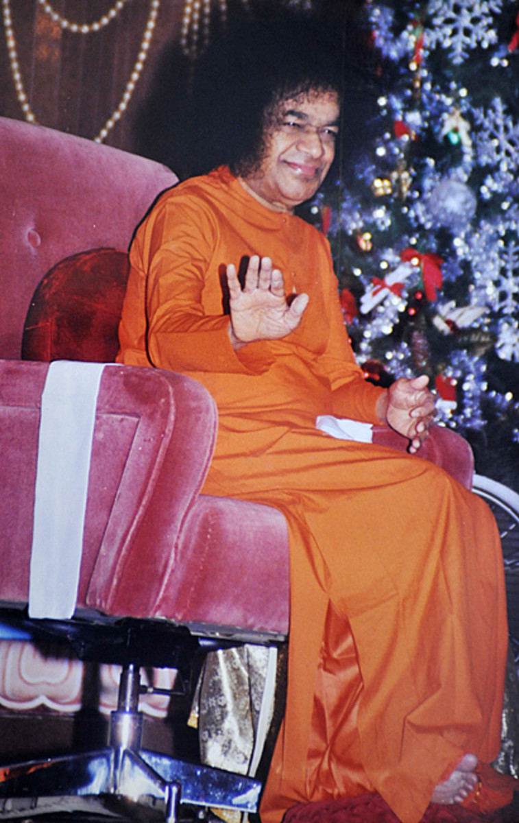 "When I went on shooting pictures rapidly, Swami looked at me, smiled and signaled, ""Enough! How many do you want to shoot?"""