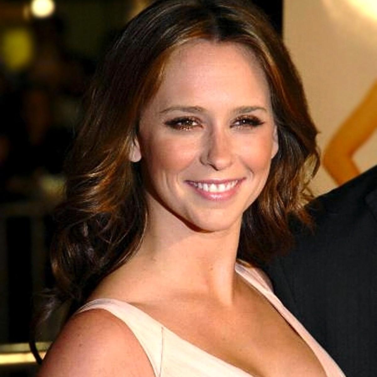 Jennifer Love-Hewitt. Female Celebrities with High Foreheads.