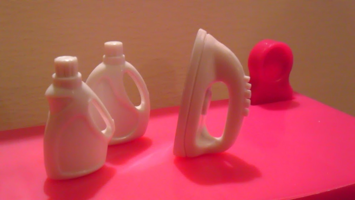 The iron and detergent bottles are no-name, but very nice-looking.