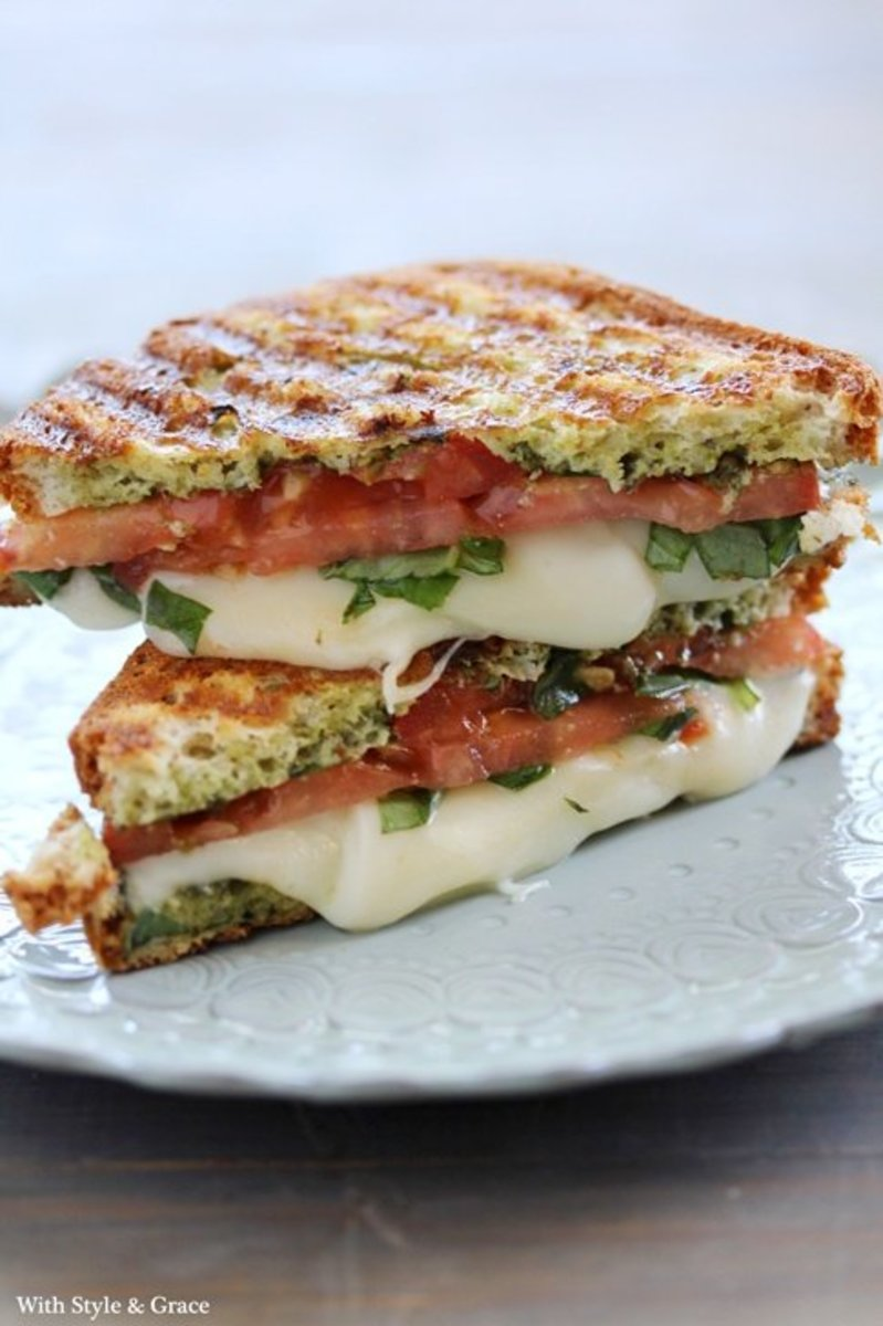 Caprese (Mozzarella, Tomato & Basil) Panini
