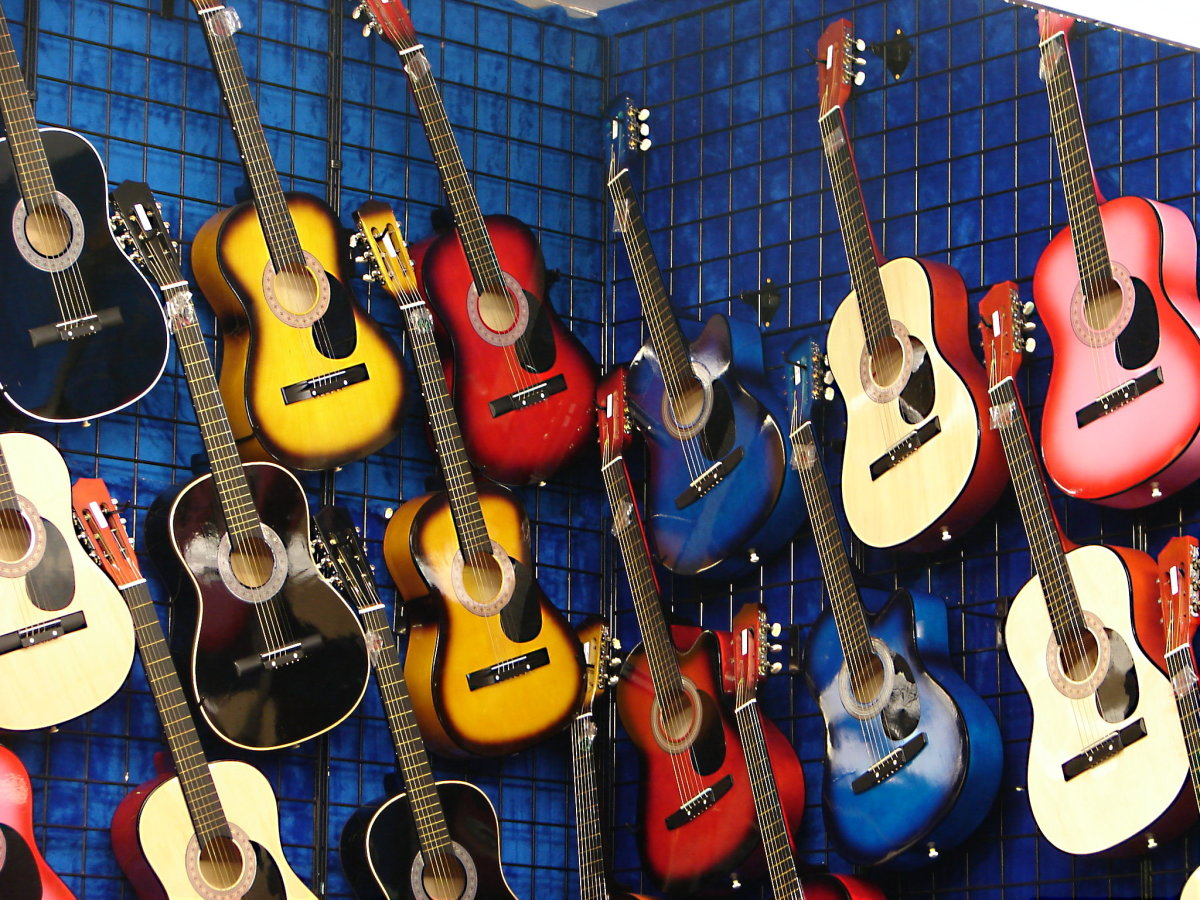 The Best Pre-owned Old Acoustic Guitar To Buy On Ebay And Why
