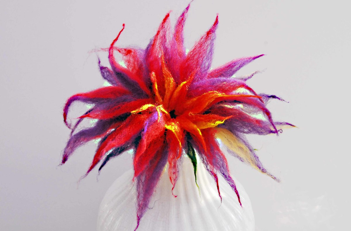 3D Flower drying in a vase