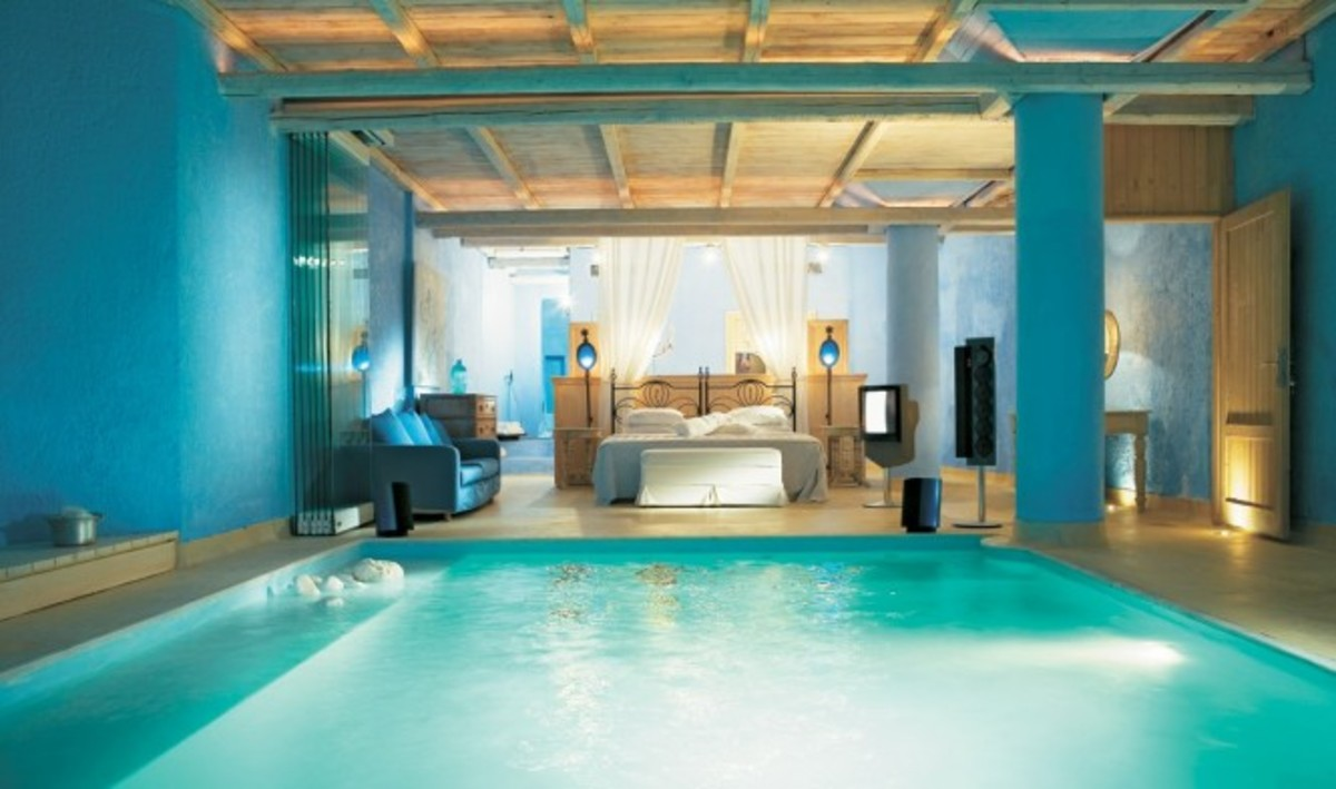 beautiful bedroom with swimming pool