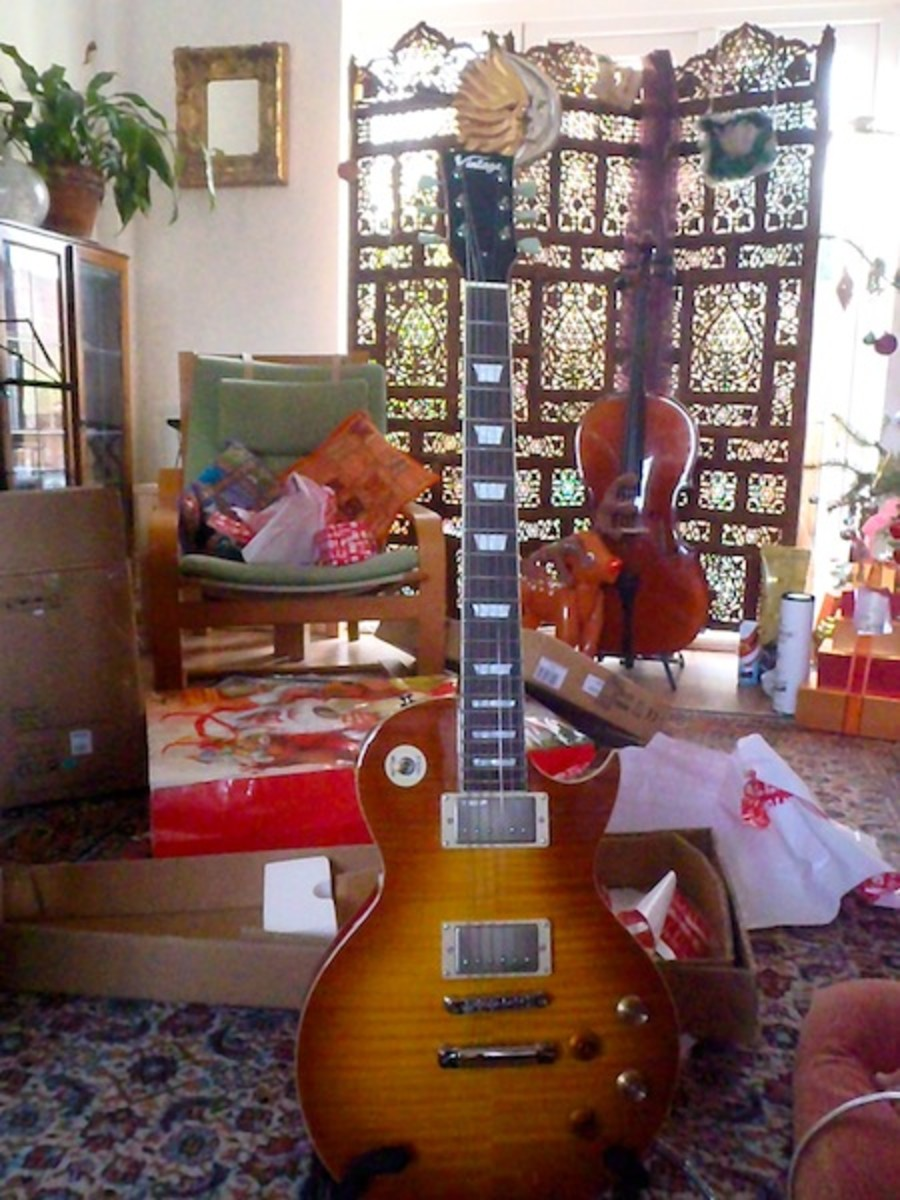 cool-gifts-for-guitar-players
