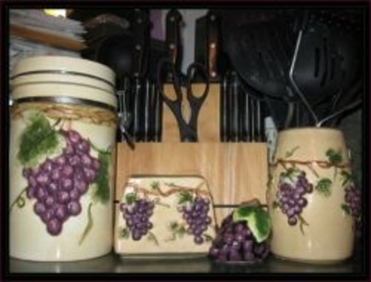 Gentil My Tuscan Grape Canisters And Accessories