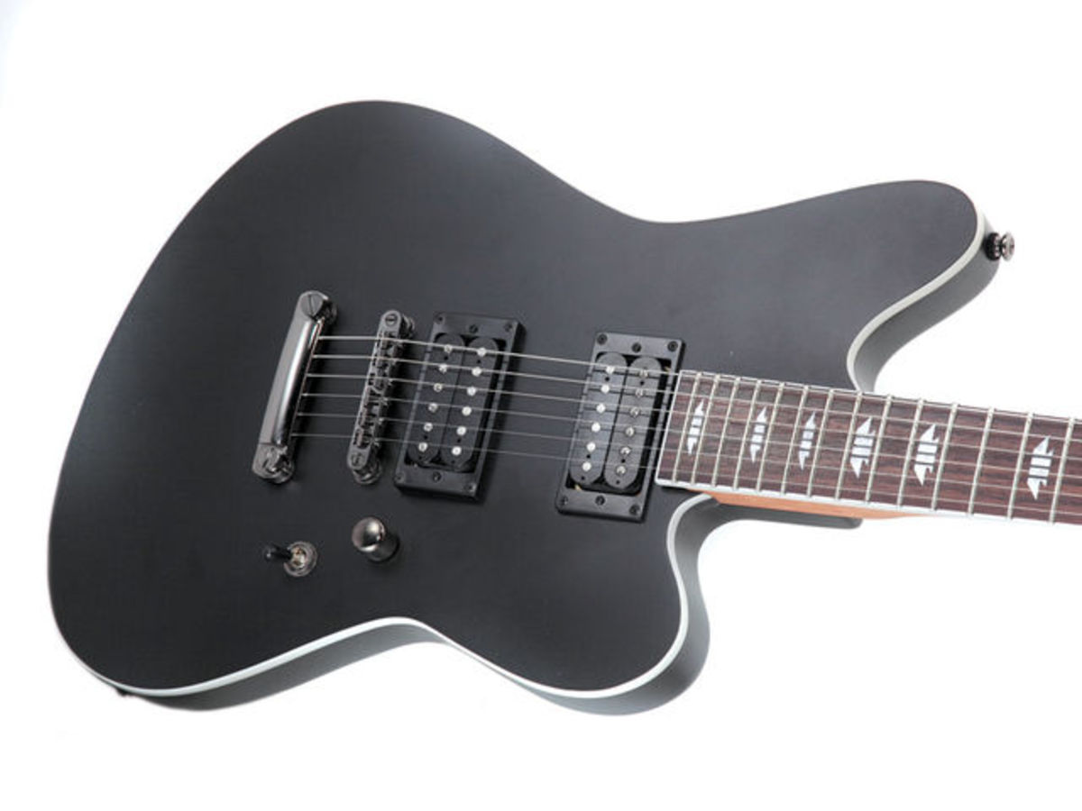 The SK-3 ST's offset body features 2 humbucking pickups, a 3-way pickup switch, and a single volume knob.