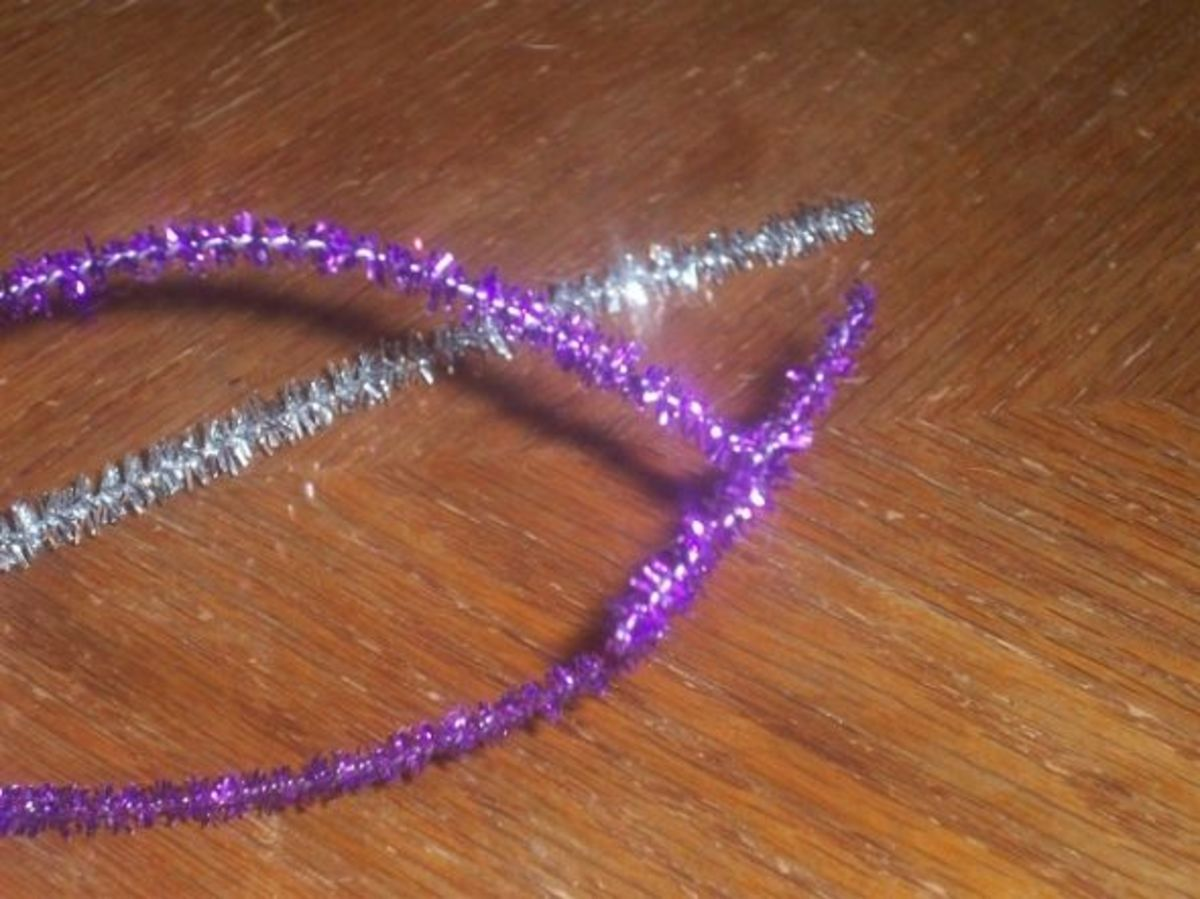 Bending Pipe Cleaner Ends Around