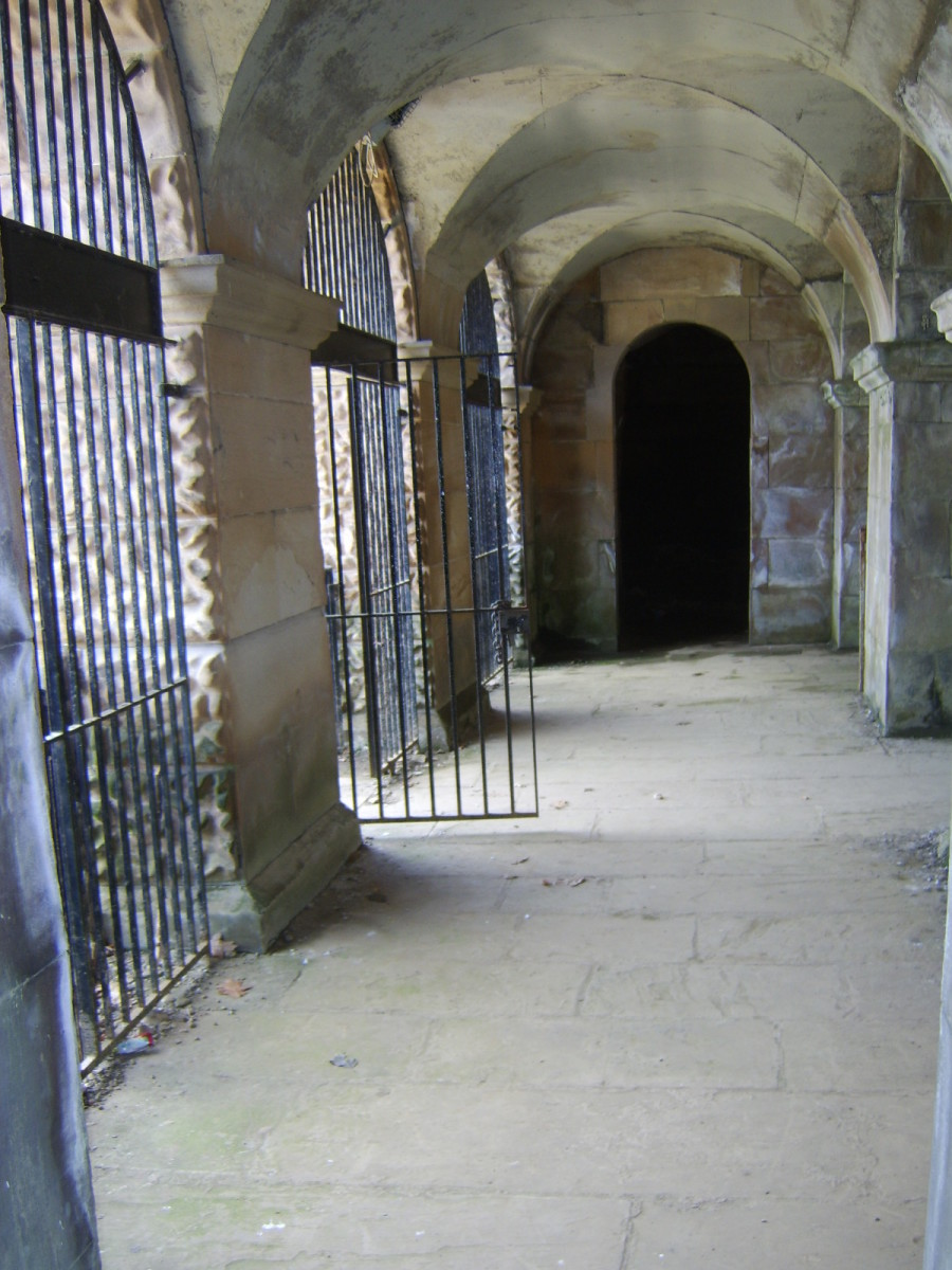 Initial entrance to Hamilton Mausoleum crypt