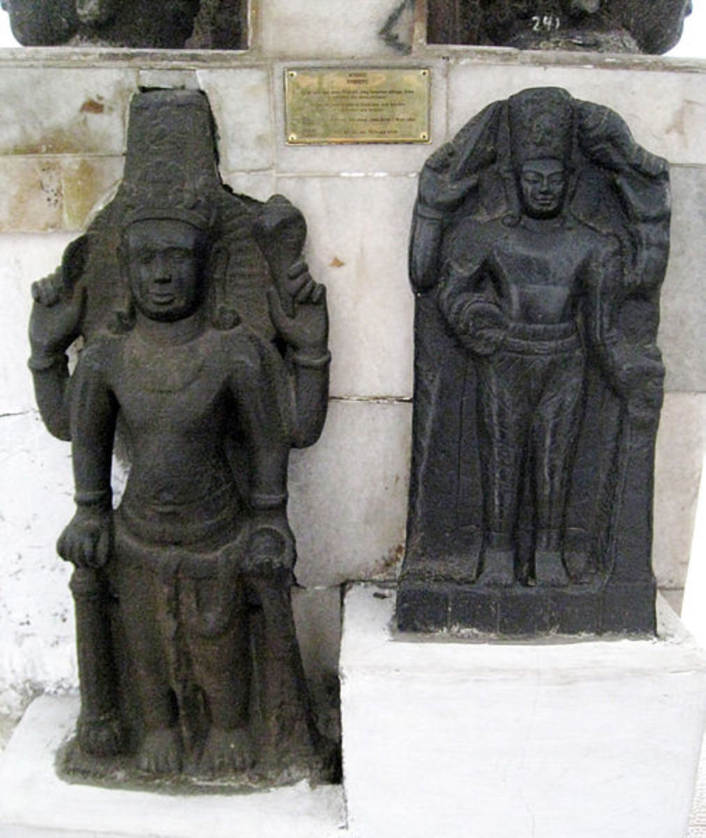 Two Vishnu statues from Cibuaya, Karawang, West Java. Tarumanagara c. 7th-8th century CE. The tubular crown bears similarities with Cambodian Khmer art.