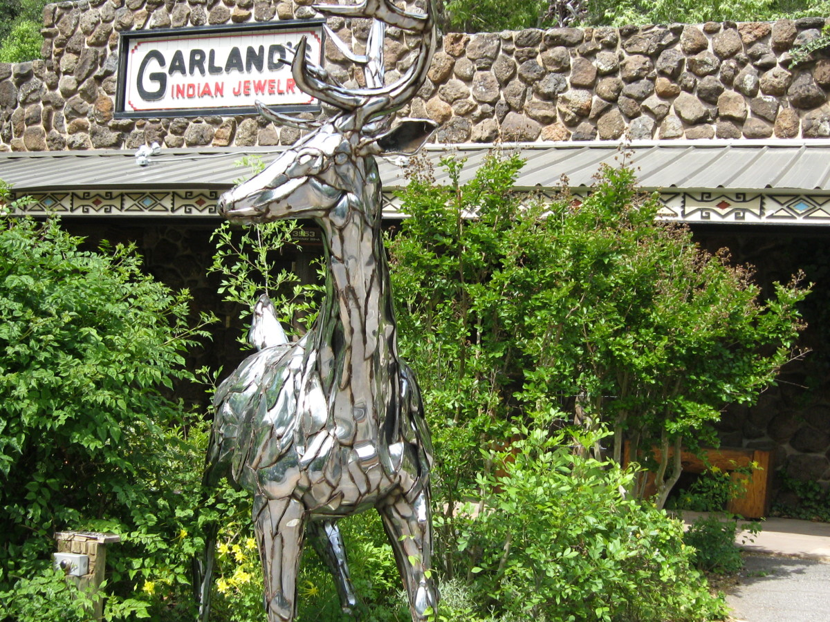 Garlands Indian Jewelry on SR 89A, Indian Gardens in Oak Creek Canyon