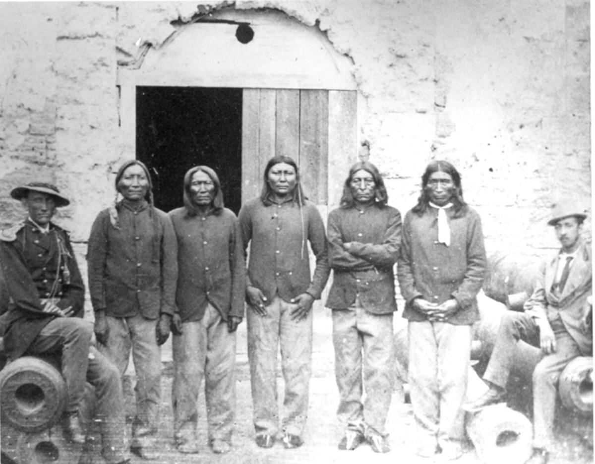 Captain Pratt With Native American Captives