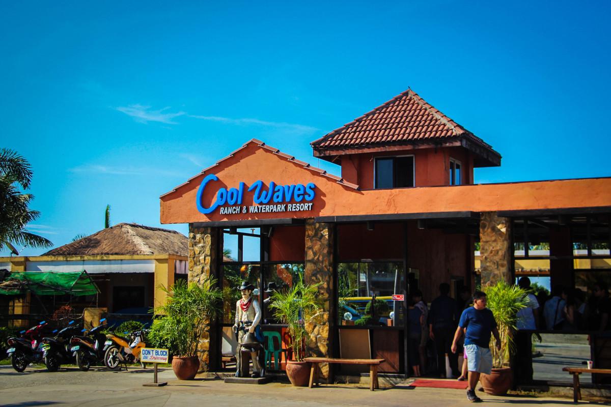 Coolwaves Waterpark Resort in Bulakan, Bulacan