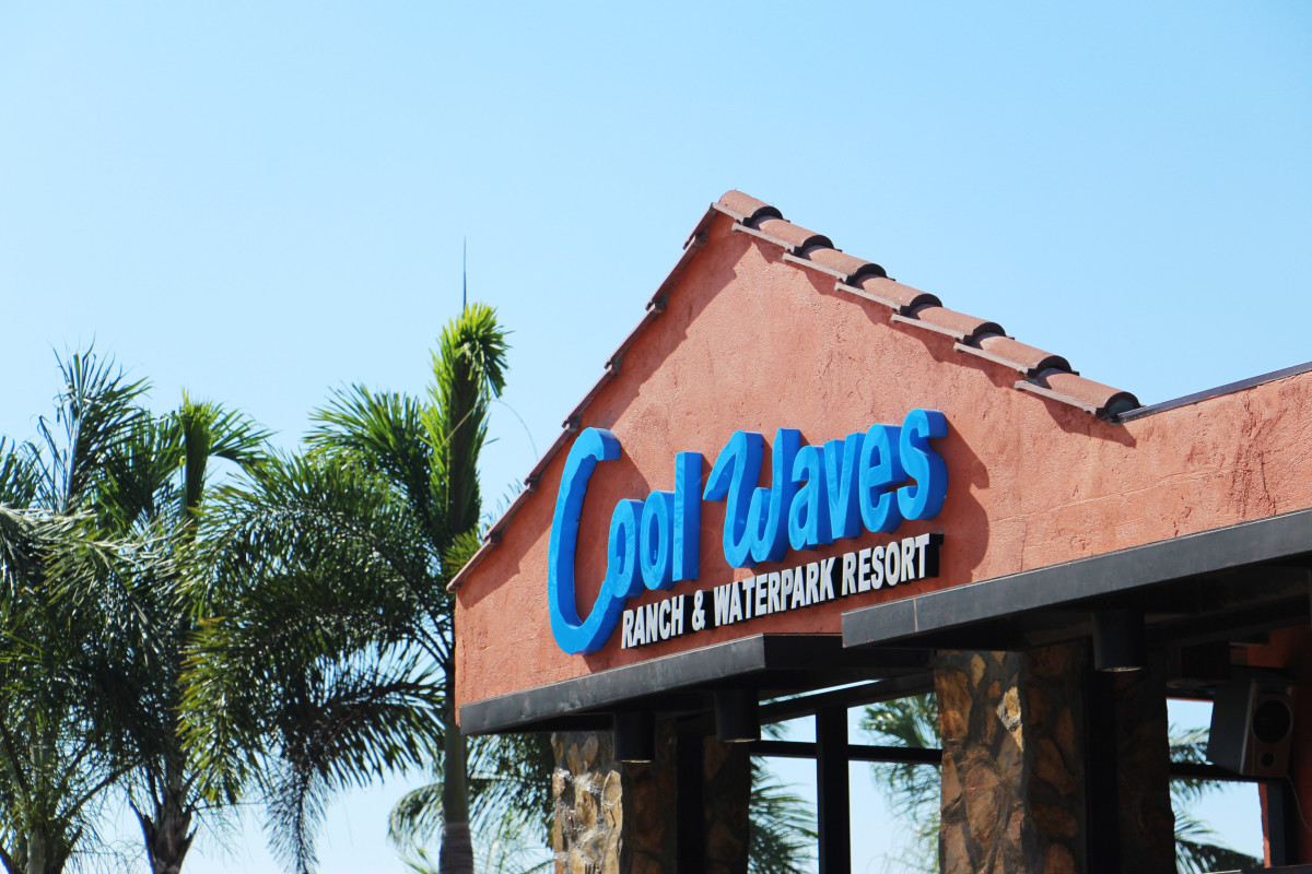 coolwaves-waterpark-resort-in-bulakan-bulacan