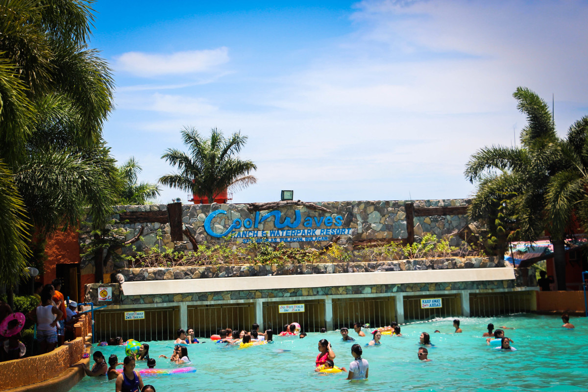 Photo of the people enjoying the wave pool!