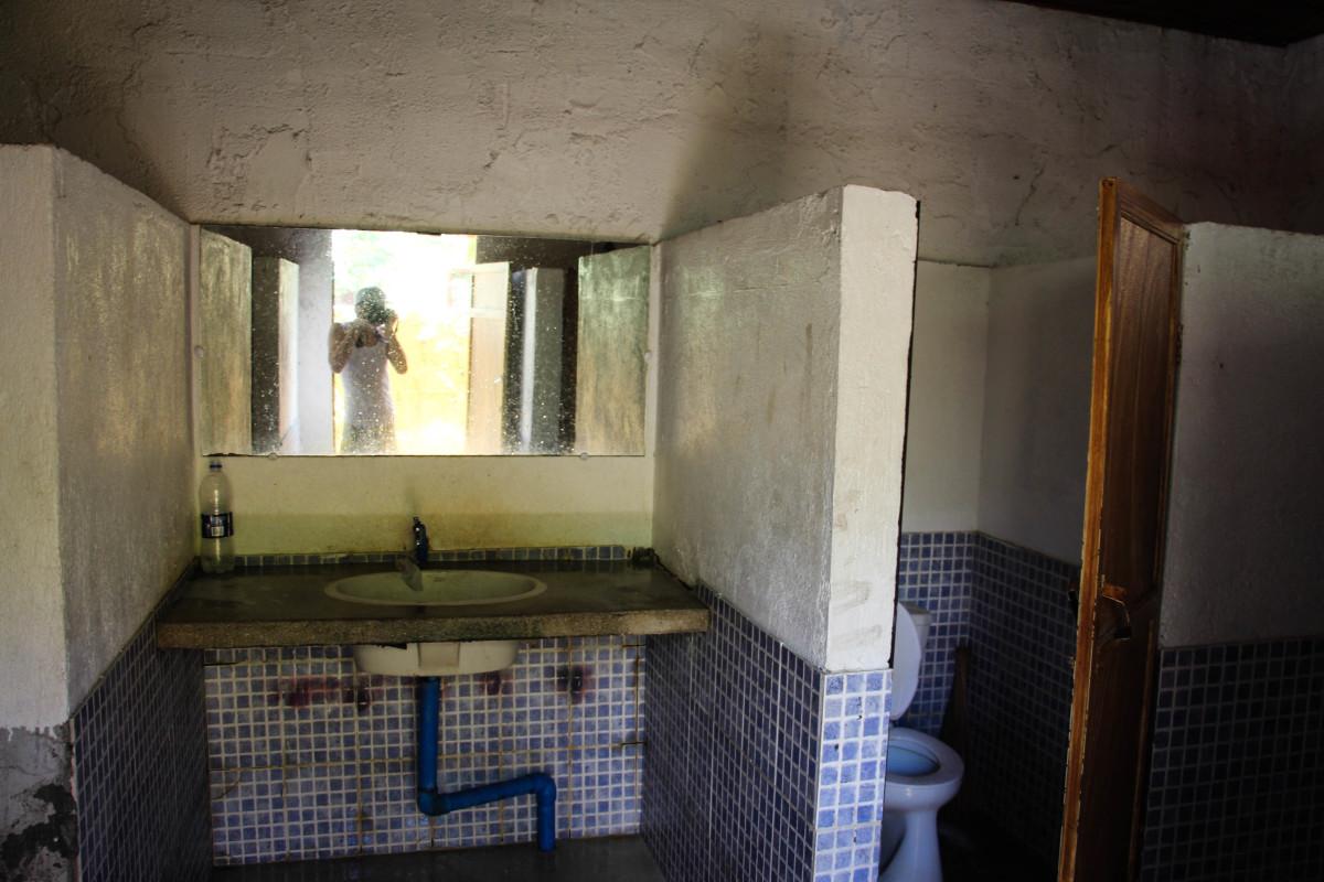 The sink of the Men's Toilet/Bathroom