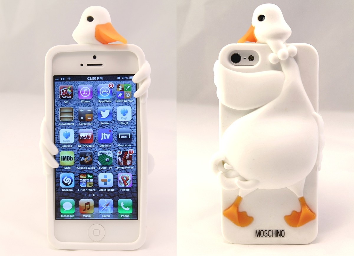 The silicone 3D swan bird case for iPhone 4, 4s and 5