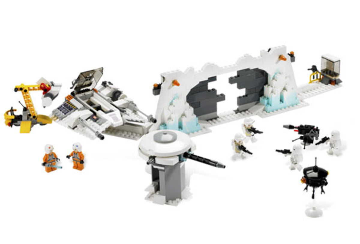 LEGO Star Wars Hoth Rebel Base 7666 Assembled